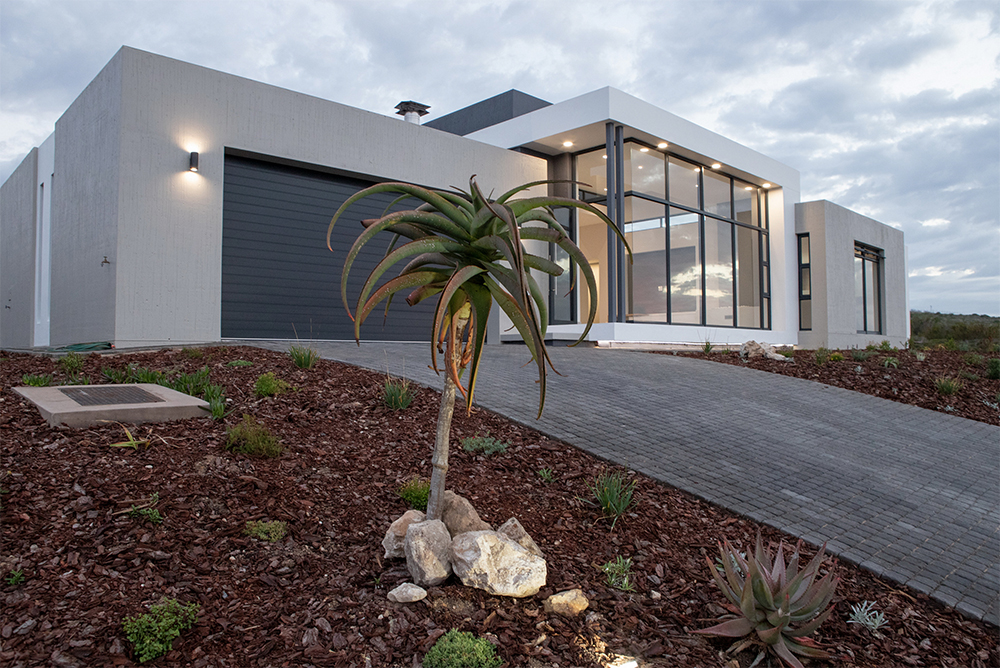 home-in-pinnacle-point-estate-image-4