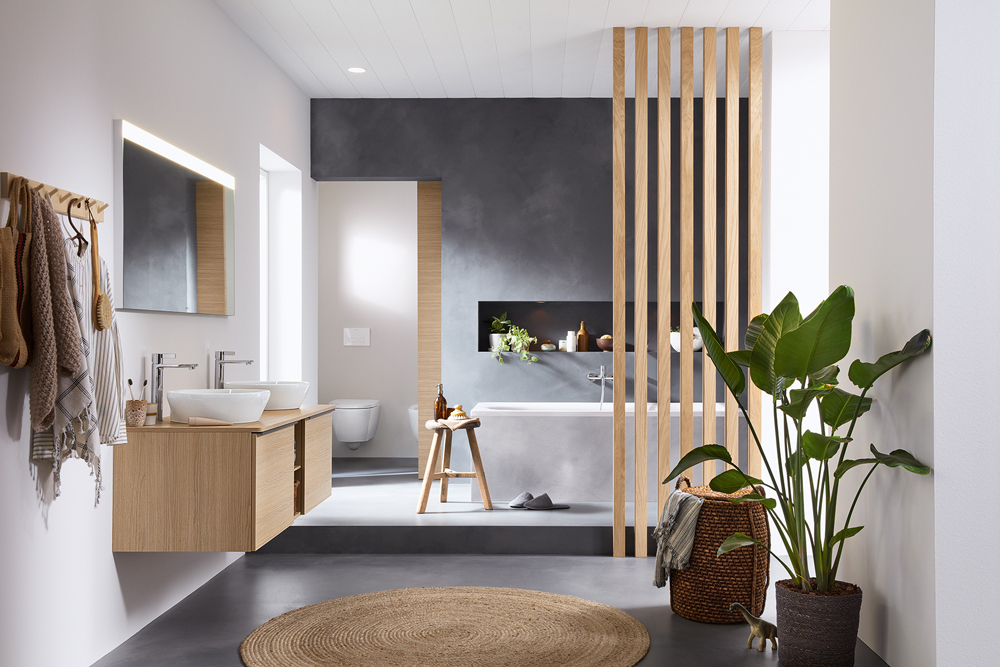 D-Neo has been created for life in all its facets and exudes a sense of wellbeing. Furniture in the refined Natural Oak look (30) can be ideally complemented with accessories made from natural materials.