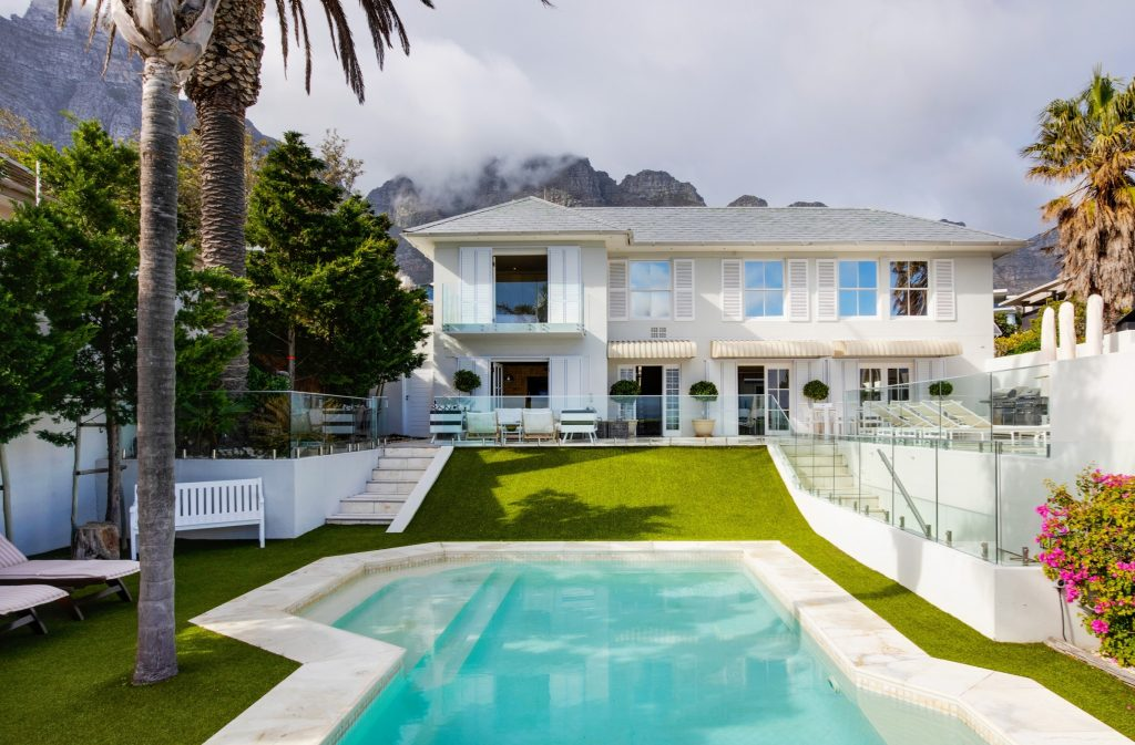 Camps Bay house – R40,25 million